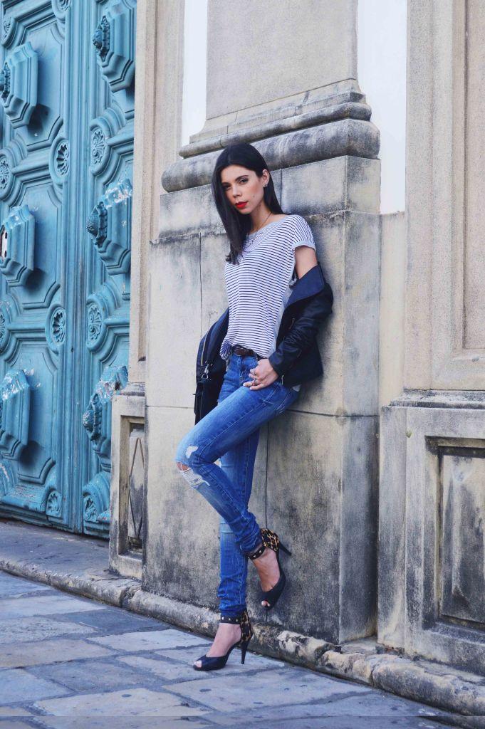 Look do dia couro listras jeans detonado Larissa Barbosa 04