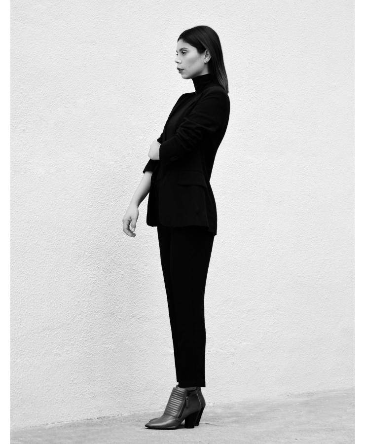 look-minimal-black-lb-06
